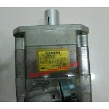 Siemens 1PC  Servomotor 1FK7060-5AF71-1TG2 1FK70605AF711TG2