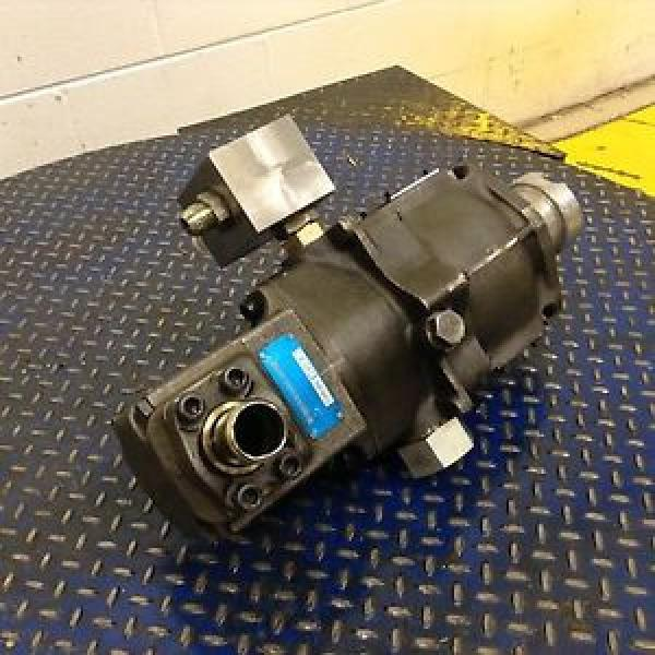 All kinds of faous brand Bearings and block Vickers Hydraulic Pump PVQ40B2RB26SS2S Used #78226 #1 image